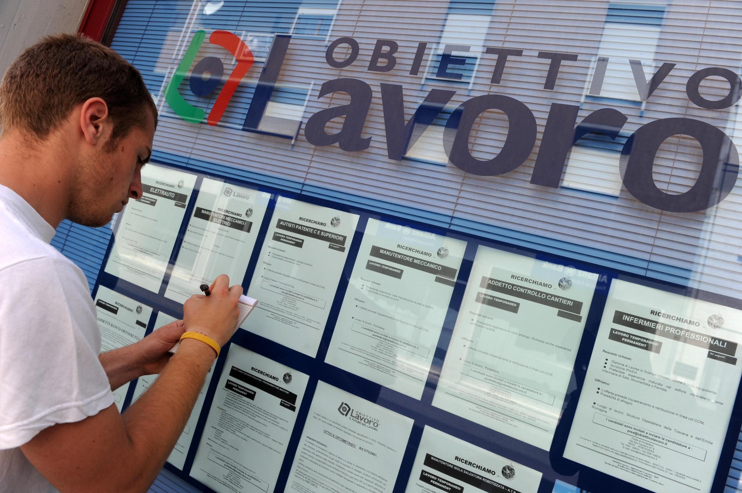 ++ LAVORO:DISOCCUPAZIONE GIOVANI SETTEMBRE 29,3%,TOP 2004 ++